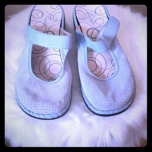 Shoes - Velcro Strap Clogs 9 Wide Width